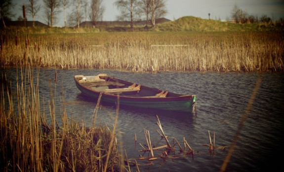 water-boat-pond-lonely